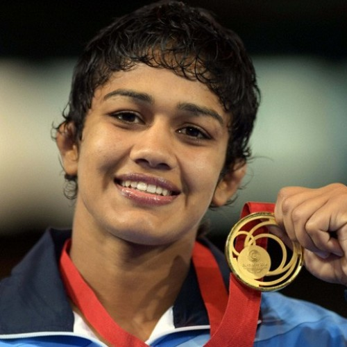 Babita Phogat loses real 'Dangal' in 46 seconds!